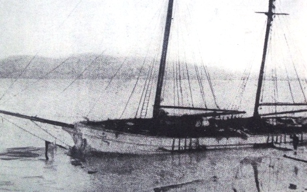 Annie Taylor (wrecked 1923) on Rheban Beach